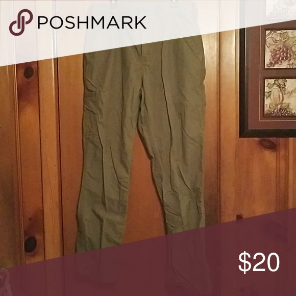 Mens carhartt jeans Gently used carhart jeans size 32x30. These look exactly like the other pair of carhartts i have listed only they dont have the sizing tag. I know the exact size is 32x30 because thats the size my husband used to wear. Carhartt Jeans Relaxed