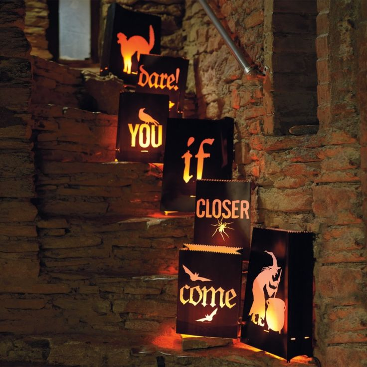 come closer if you dare bag set by martha stewart for grandin road this is my newest outdoor halloween decoration
