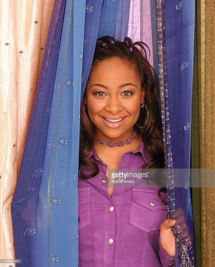 S SO RAVEN -- 'That's So Raven' is a hit live-action situation comedy starring Raven (formerly credited as Raven-Symone, 'The Cosby Show') as Raven Baxter, a winsome teen whose ability to glimpse flashes of the future often gets her into hot water. Getting her out (or sometimes into) these predicaments are best friends Eddie and Chelsea. Allowing her flights of fancy -- yet eager to keep her feet on the ground -- are Raven's parents, Victor and Tonya. And then there's precocious kid brother…
