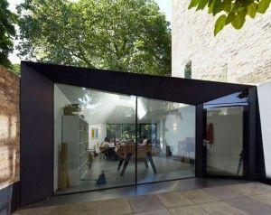 Украшения: Эксклюзивная современная Тропический Home Design вдохновляющие стеклянные стены концепция и применение - интересные Small Office дизайн с большими стеклянными стенами и дверью также выделяющийся Черный Фасад Рамки Средняя версия