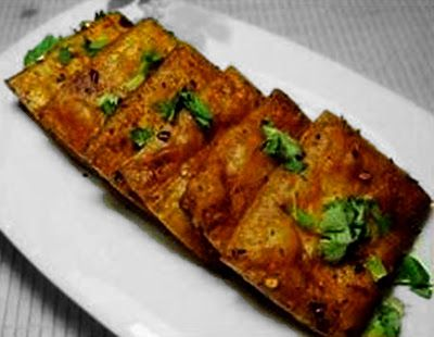 8 tofu recipes selected from 100 Taoist vegetable dishes  This spicy dried tofu dish can be cooked in microwave for just 6 minutes. >>>> http://viewofchina.com/spicy-tofu/