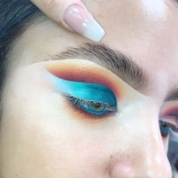 "5,963 Likes, 55 Comments - Plouise Makeup Academy (@plouise_makeup_academy) on Instagram: ""Cut crease anyone ? Our one to ones are designed with YOU in mind, Together we get creative and…"""