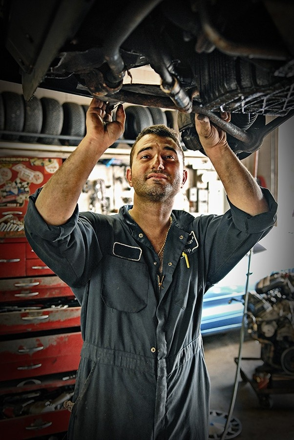 how to become a yacht mechanic