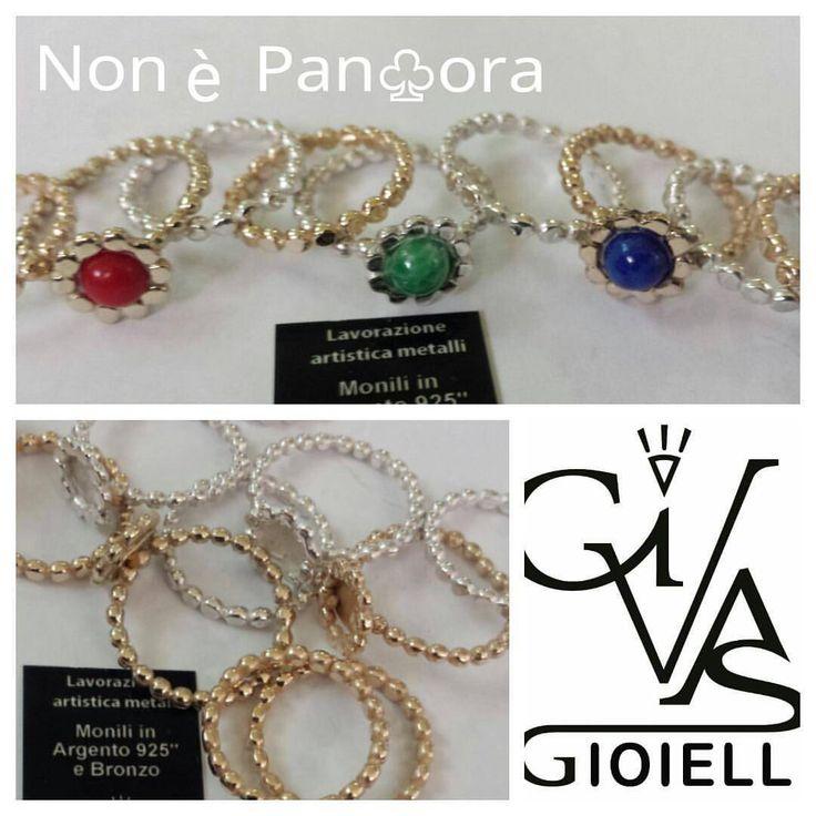 collezione Non è PanDora verette drops liscie o con corona e pietra nei colori moda verde acqua blu e rosso disponibili nei metalli argento 925 bronzo e Brass