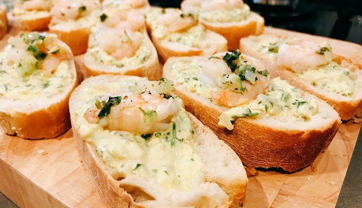 recept voor Scampi's à la plancha, met een lekker sausje van look, peterselie, mayonaise en ui op Ciabatta-brood