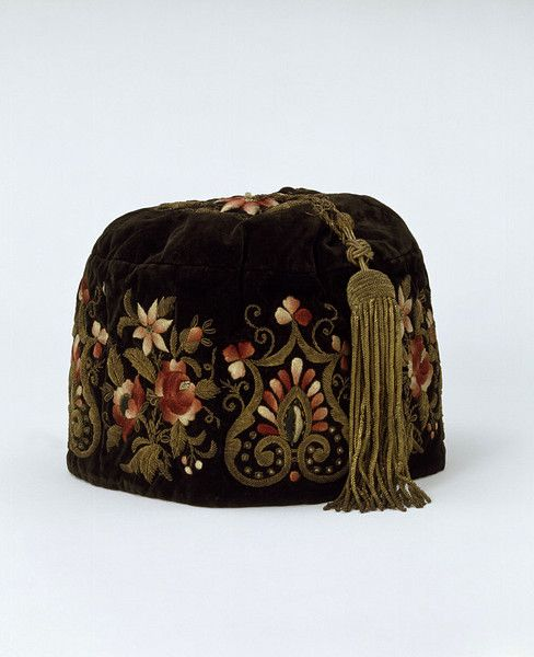 V and A 1866 embroidered Smoking cap