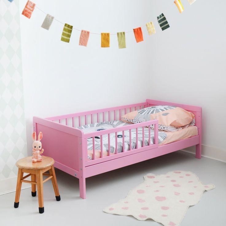 Peuterbed Roze 140 x 70, 2-5 jaar inclusief 10 cm koudschuim matras