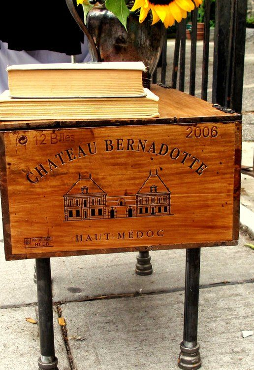 17 best images about wine crates on pinterest wine crate for Wine crate furniture