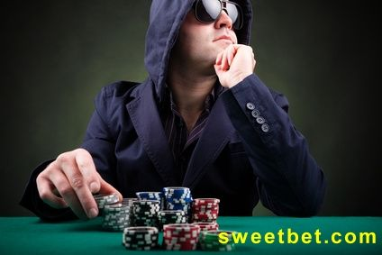 Online Poker. Reviews of the best online poker rooms on the Web!