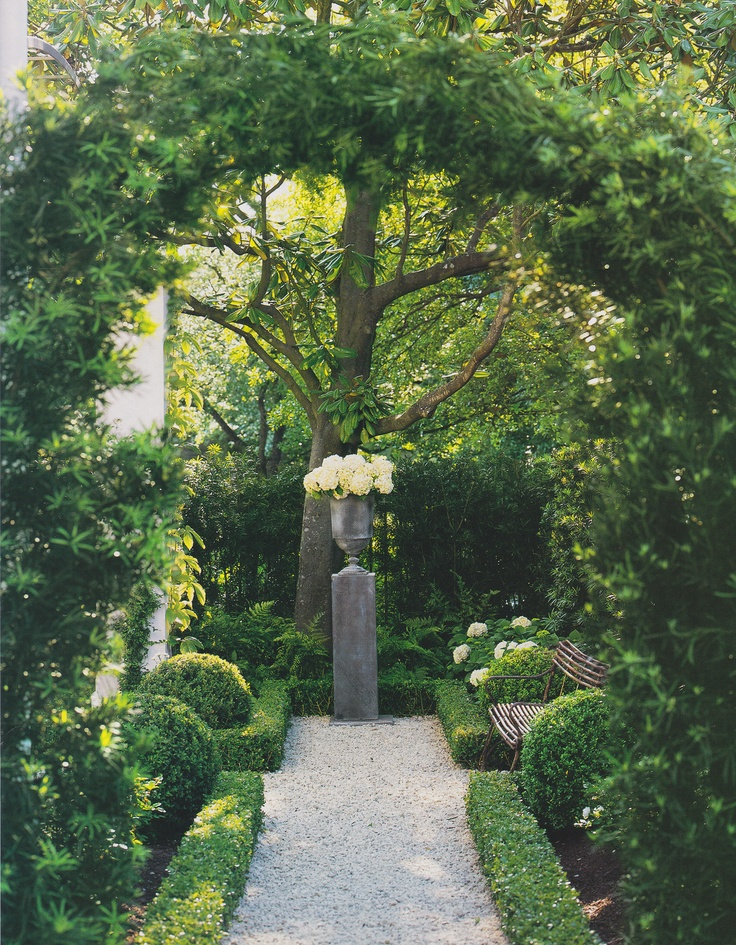 Pamela Pierce garden - a small space filled with beautiful elements