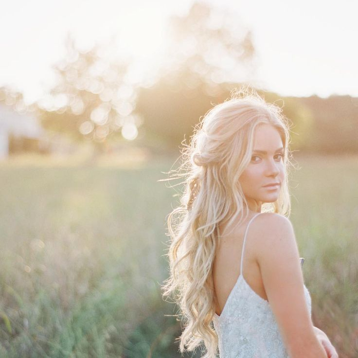 Long Wavy Hairstyle For Wedding 2: Best 25+ Half Up Half Down Ideas On Pinterest