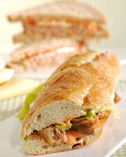 This fantastic recipe for a heart-healthy turkey meatloaf sandwich is from actress Kathleen Turner.