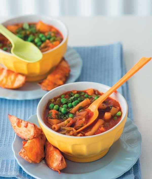 Kitchen Buddies: Vegetable soup with baked potato wedges and cheese | Kombuiskarnallies: Groentesop met gebakte aartappelwiggies en kaas #KitchenBuddies #Kids #Kitchen