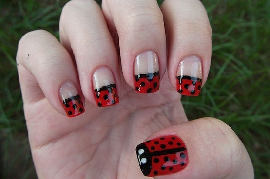 All these cute nail designs make me want to start painting my nails...even though I suck at it!  Image via Agomeh on Flickr, from May 8, 2011. ebounds1