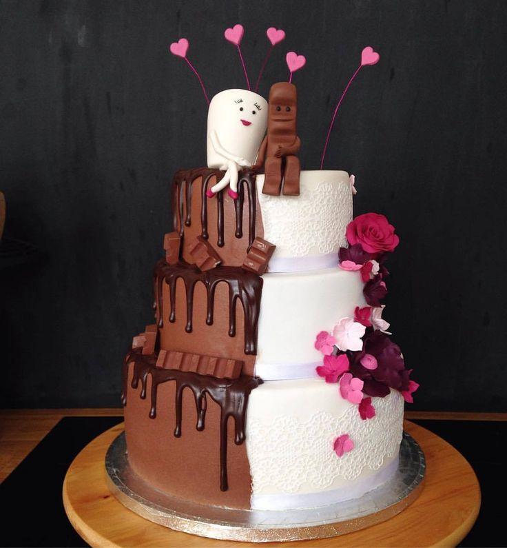 Ich hab am Wochenende mal ne 2-geteilte Torte gezaubert.. Milch und Schokolade mit dem Kinderschokolade-Pärchen.. Himbeer, Snickersfüllung und Zitrone.. #hochzeitstorte #torte #cake #wedding...