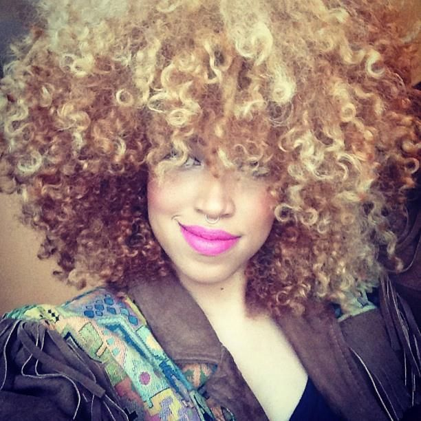 Taren Guy – Living the blonde life withnatural curly hair!