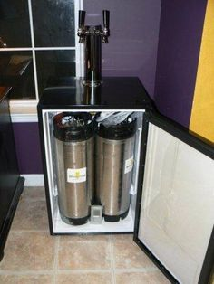 ohh if i find a cheap old mini fridge DIY kegerator with dual beer taps