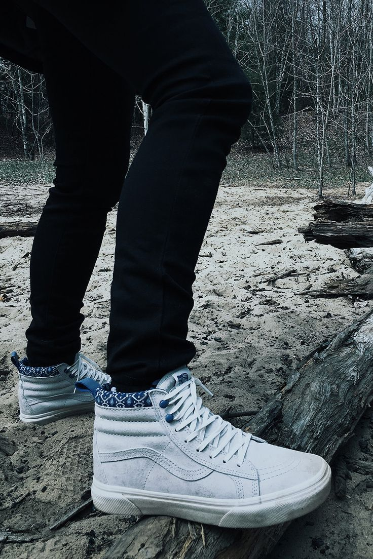 Take the long way home in the Sk8-Hi MTE. From snowy hillsides to rocky terrain, don't let harsh weather slow you down. Shop the Sk8-HI MTE in Gray Violet/Blanc De Blanc and more adventure ready footwear at vans.com.