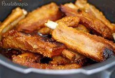Eu já dei várias receitas de costelinha de porco aqui no blog, porque meu marido AMA e eu sempre faço, mas achei que seria bacana incluir mais esta porque o sabor é mesmo muito bom. Não se preocupe…