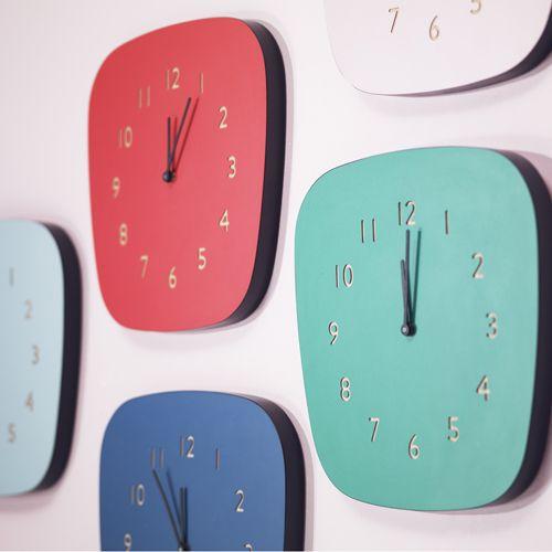 Horloge vintage en formica Louise (3 coloris) Les Gambettes