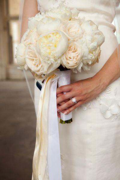 Bouquet blanc et crème « Inspire Moi // Le blog mariage carrément déco