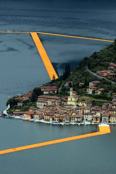 Christo si è fermato al Lago D'Iseo Italia | The Floating Piers Christo 2016