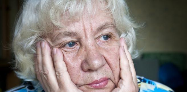 Po 8 marca - pamiętajmy o naszej STAROŚCI: To nie jest kraj dla starszych kobiet. Żyją dłużej, ale w gorszej kondycji