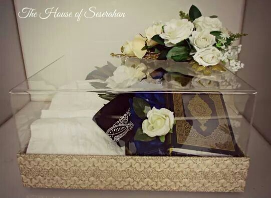 Broken White Lace Seserahan Boxes #thehouseofseserahan #seserahan #indonesianwedding #weddinggiftboxes