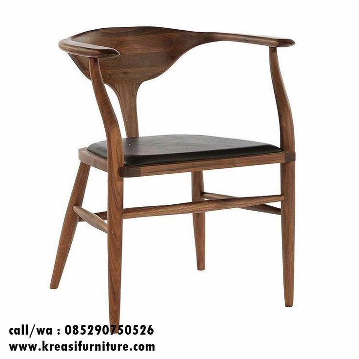 Kursi Cafe Kayu Unik Minimalis merupakan kursi cafe dengan desain yang unik namun tetap menawan berbahan full kayu jati solid cocok untuk interior cafe anda