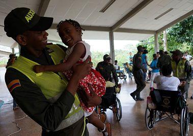 Los niños con discapacidades, disfrutan de la compañía de nuestros policías. Una tarde de gran alegría en el #ValleDelCauca