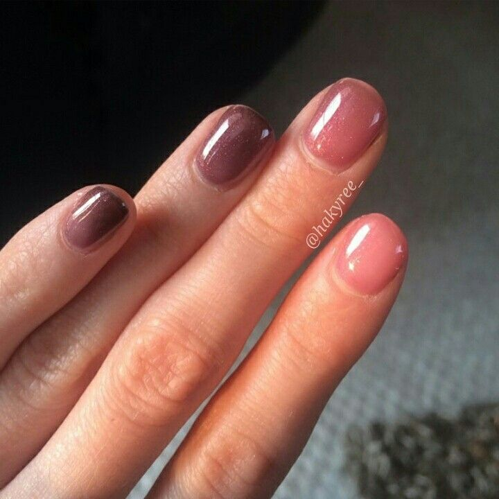 Gel II Reaction colour 'Hibis Kiss' perfect gradient from Cold to Warm Gel Polish Manicure! Love client pictures! ♥ Follow me on Instagram @hakyree_
