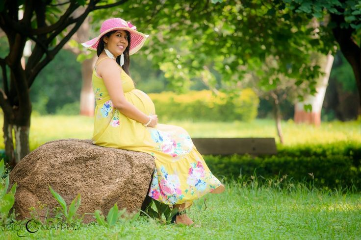 Style Tips on choosing the perfect outfit for your pregnancy Photo-shoot Going in for a maternity photo-shoot and yet worried what to wear? This is the most