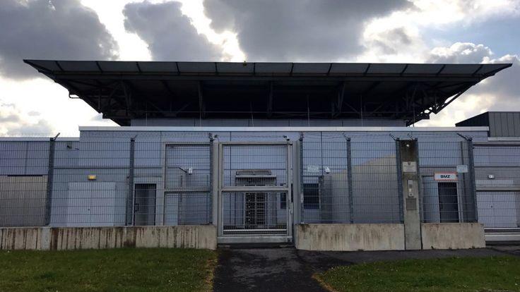 Urteil nach Heulkrampf im Terror-Prozess - Fünfeinhalb Jahre Haft für Islamist Sven Lau - Düsseldorf - Bild.de
