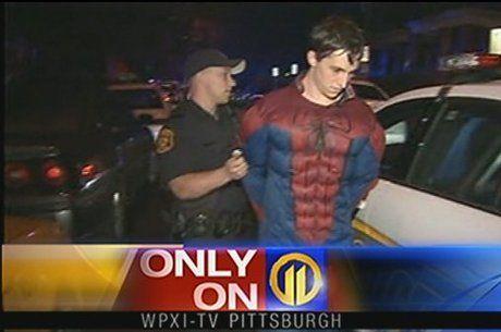 Homem-Aranha é preso após tentar roubar loja de conveniência no Fofocas.biz