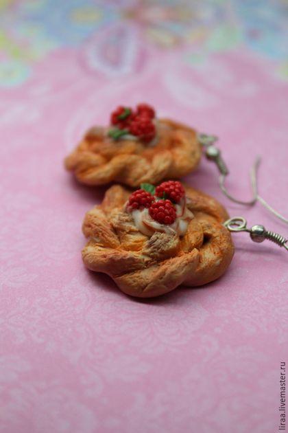 """Polymer clay tasty earrings / Серьги ручной работы. Ярмарка Мастеров - ручная работа. Купить Серьги """"Вензели с малиной"""". Handmade. Разноцветный, миниатюрная еда"""