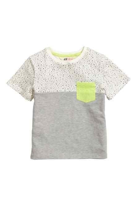 Camiseta con bolsillo superior