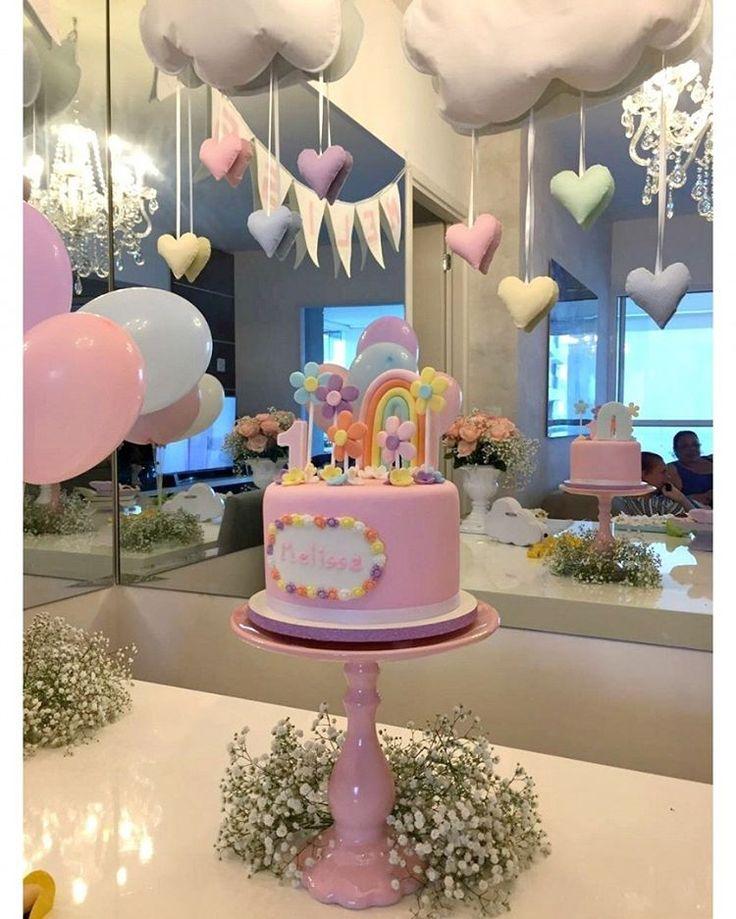 Bolo Fofinho foi o apelido que dei para este bolinho coisinha mais linda que fiz para o 1º mesversário da baby Melissa! Cheio de florezinhas, com bastante rosa e um lindo arco-íris, do jeito que a mãe quis!  . Orçamentos e encomendas:  E-mail: contato@bolosdacintia.com  Whatsapp: (11) 96882-2623 . #bolosdacintia #mesversario #bolodemesversario #bolo #bolodecorado #festademenina #babygirl #cake #ilovecake #cakeboss #cutecake #bolofofinho #fofo