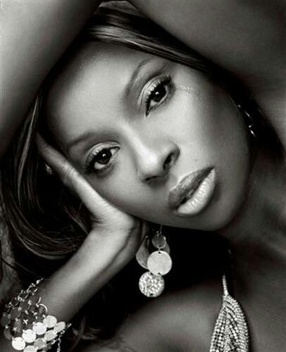 Mary J. Blige one of my favourite singers love all her songs, brilliant singer love her.