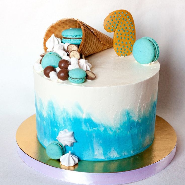 Торт на годик Торт на день рождение #дизайнторта #детскийторт