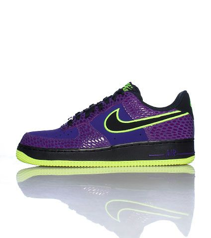 NIKE Air Force One Kobe Bryant Edition Low top,Lace front sneaker Padded tongue with logo Leather material Contrasting sole trim