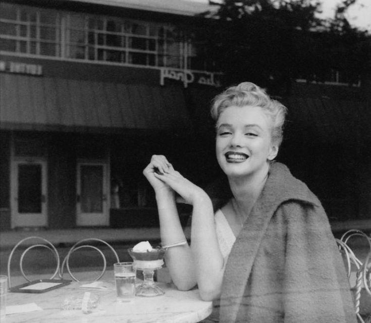 The sad last picture of Sabrina, British Marilyn Monroe