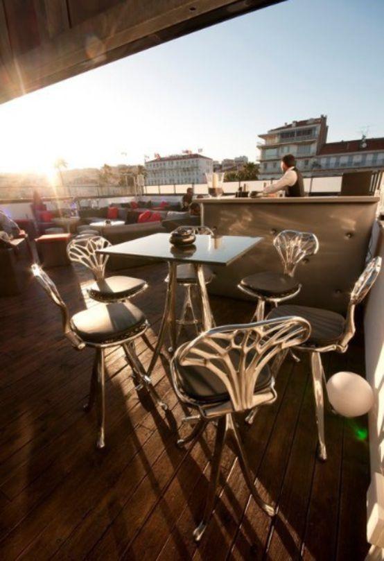 Entdeckt das ausgefallene #Design eines Nachtclubs in #Cannes  #Club #Nightclub #Nachtclub #Party #Partylocation #Feiern #ueberdendaechern