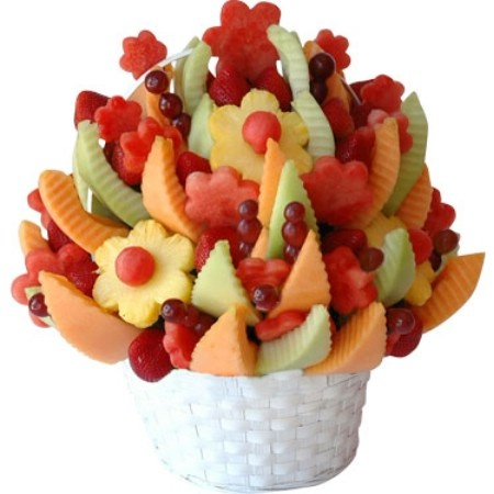 How to make edible fruit arrangements – a basic guide