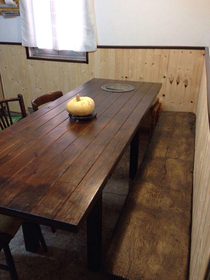 Mesa y banco rústico hecho por nosotros