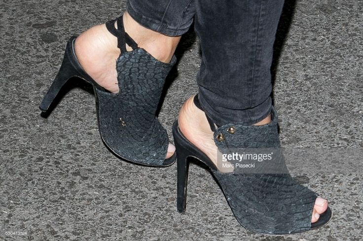 Photo d'actualité : Actress Virginie Efira, shoe detail, arrives at...