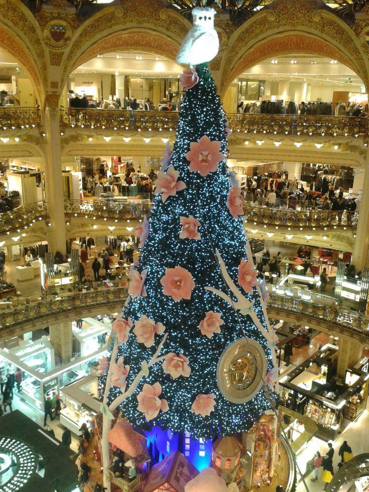 61 best Les vitrines de Noel images on Pinterest