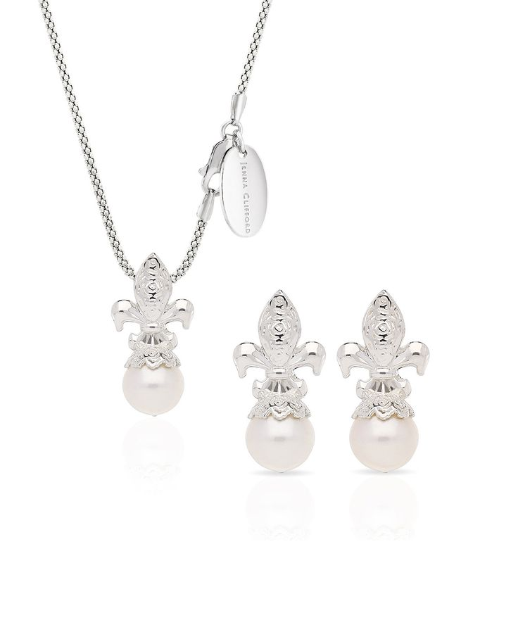 Spoil your mom with a beautiful Francesca Pendant and Earrings set. – Jenna Clifford