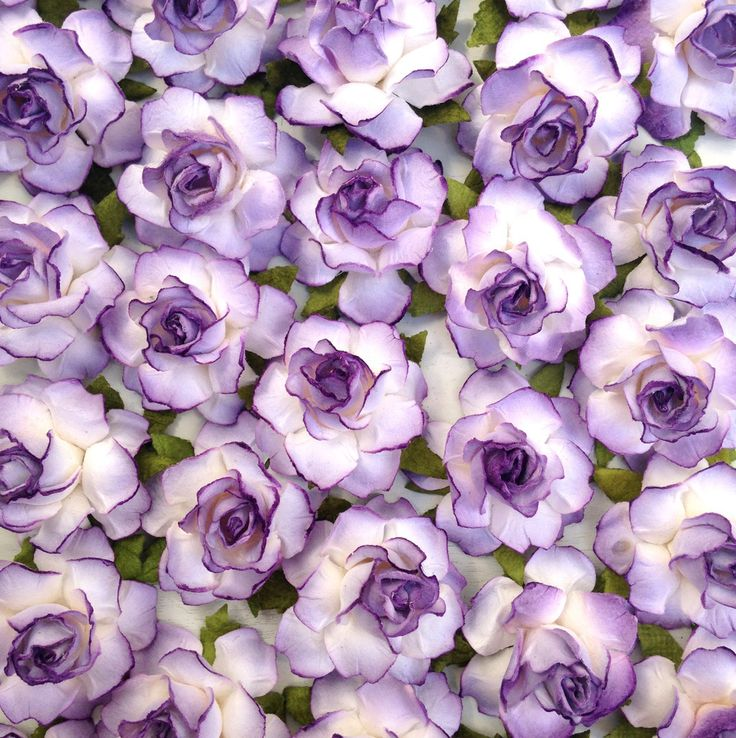 Lilac Paper Flowers by KVW, perfect for spring DIY wedding ideas!