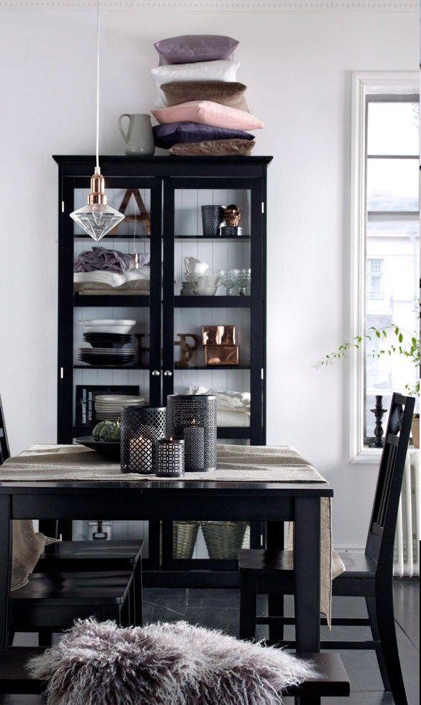 .Repeindre un meuble vitré en gris foncé