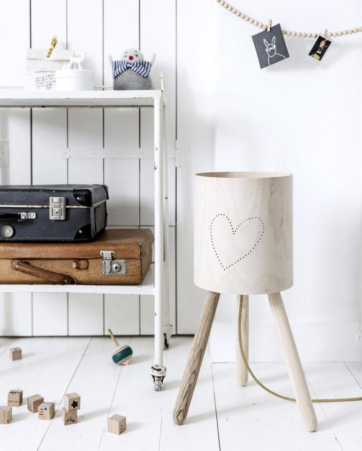DIY turn your stool into a wooden lamp | Styling Kim van Rossenberg | Photographer Sjoerd Eickmans | vtwonen March 2015